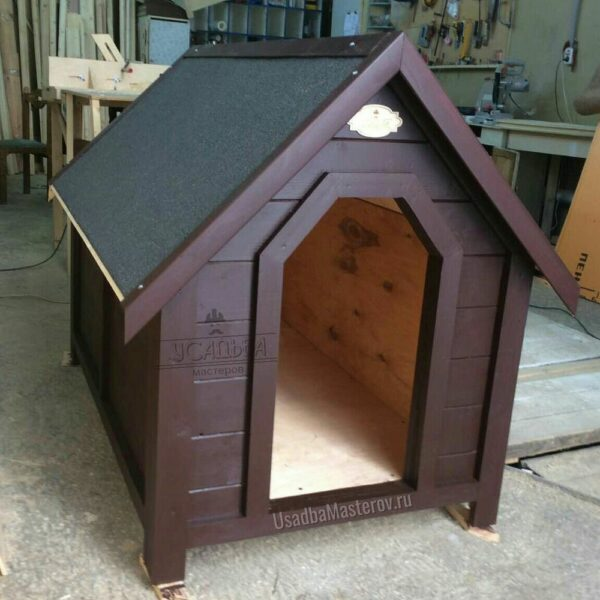 Утепленная-будка-в-виде-домика-для-собаки