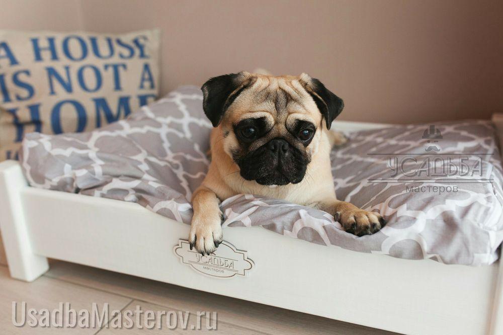 кровать для мопса с подушкой