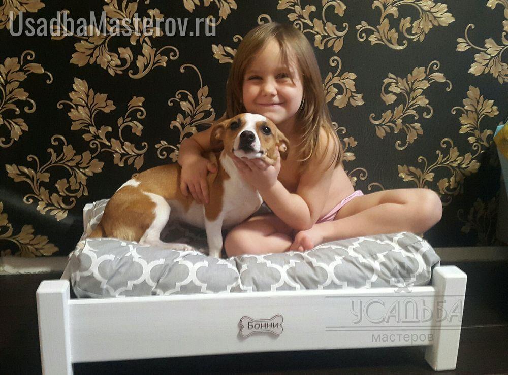 лежак для собаки из дерева