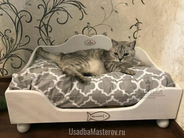 Кроватка-для-Кошек-в-квартиру-усадьбамастеров