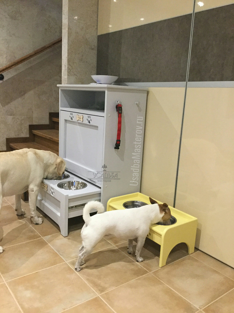 кормушка для собак с ящиком для корма