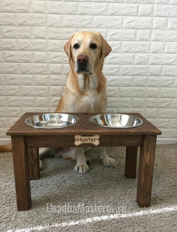 Подставка-с-Мисками-для-собаки-лабрадора