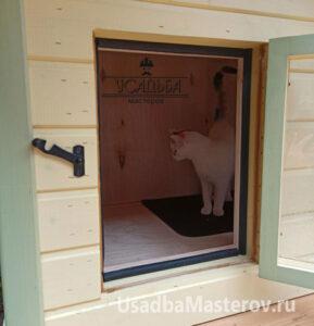 кошка-в-зимней-будке-усадьба-мастеров
